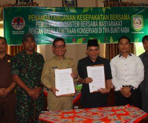 BKSDA Bengkulu dan Bupati Kepahiang Menandatangani Kesepakatan Kemitraan Konservasi di TWA Bukit Kaba